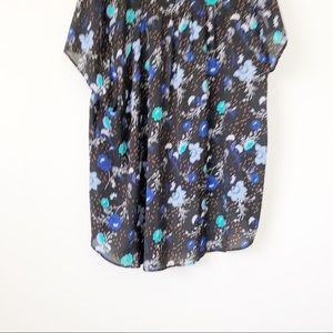 torrid Tops - Torrid Black Short Sleeve Blue Floral Top Sz 3